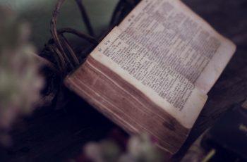 Restrições na interpretação da Bíblia